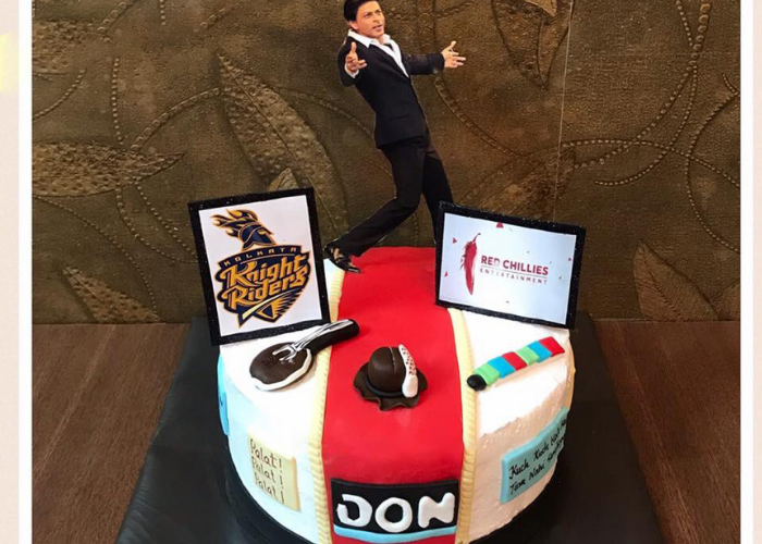 actor srk birthday cake